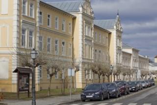 Zgrada bolnice Lipik s ulice