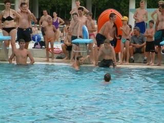 Slika kupanje na bazenu