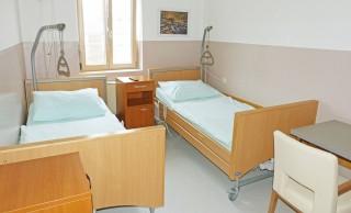 Slika soba na odjelu s dva kreveta